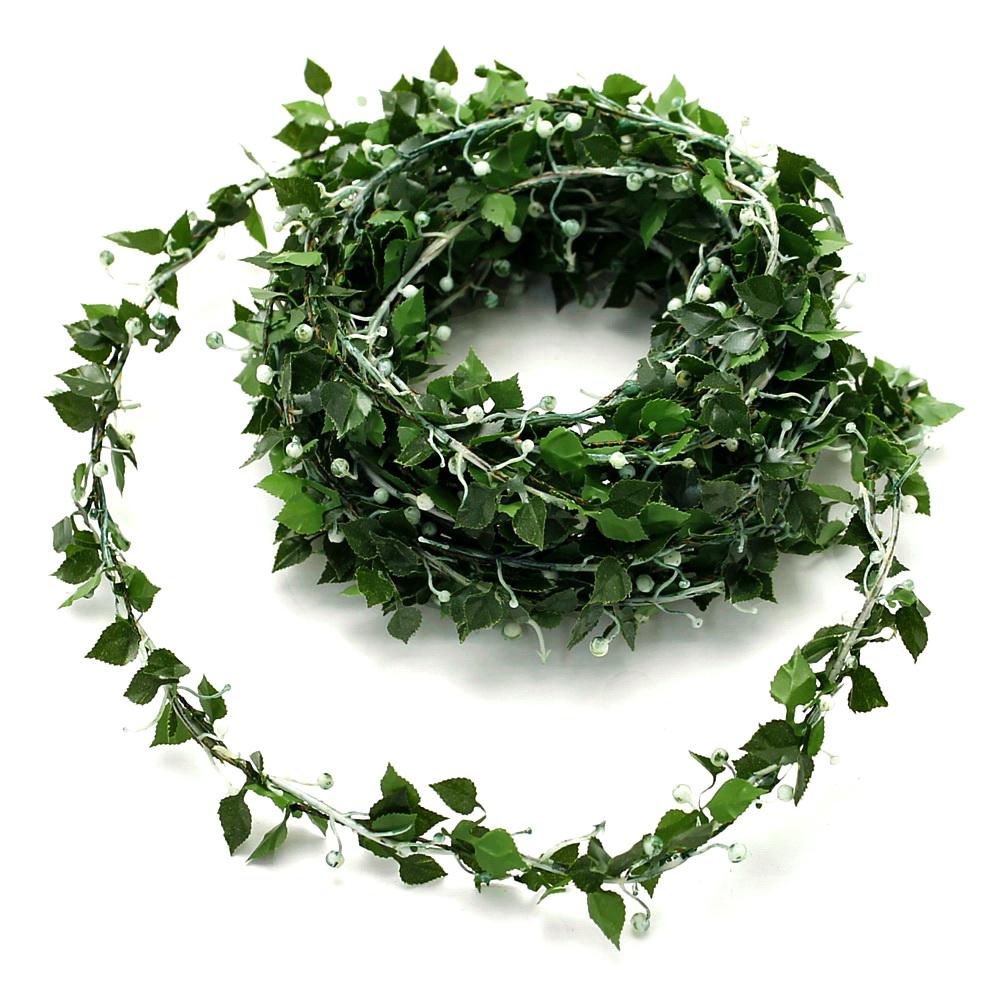 Rosenblatt- Girlande mit kleinen Früchten (Knospen), grün 4,5 Meter